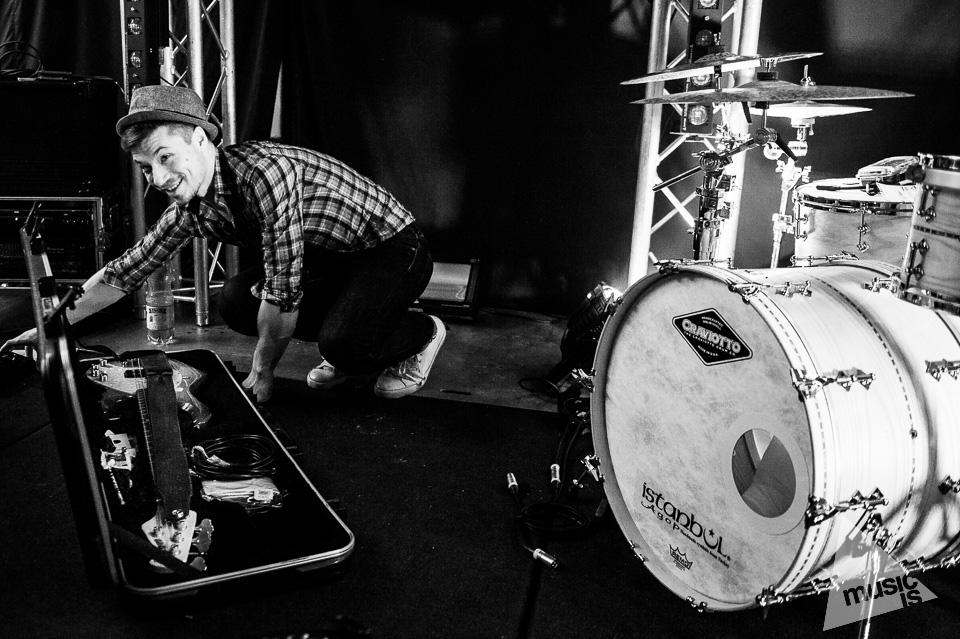 20141009-Radek-Zawadzki-Natalia-Nykiel-backstage-10.jpg