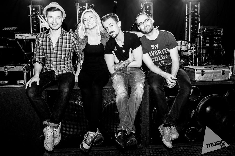20141009-Radek-Zawadzki-Natalia-Nykiel-backstage-22.jpg