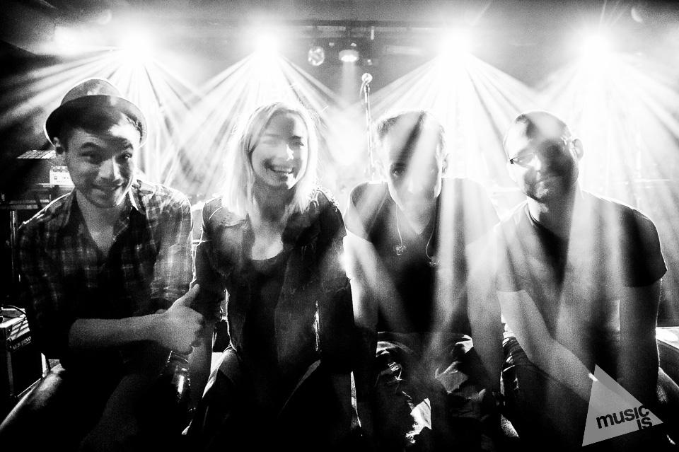 20141009-Radek-Zawadzki-Natalia-Nykiel-backstage-23.jpg