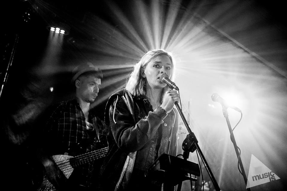 20141009-Radek-Zawadzki-Natalia-Nykiel-backstage-42.jpg