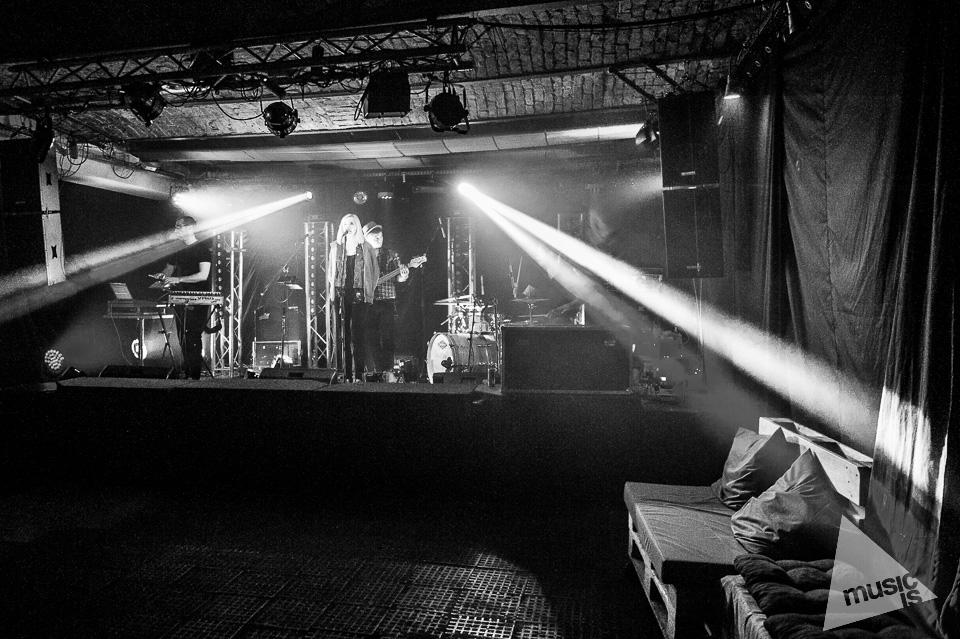 20141009-Radek-Zawadzki-Natalia-Nykiel-backstage-44.jpg