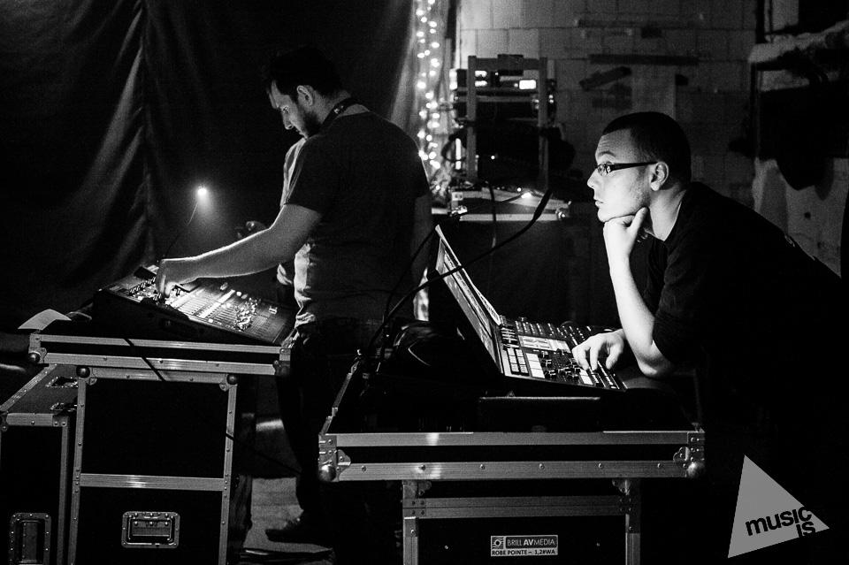 20141009-Radek-Zawadzki-Natalia-Nykiel-backstage-45.jpg