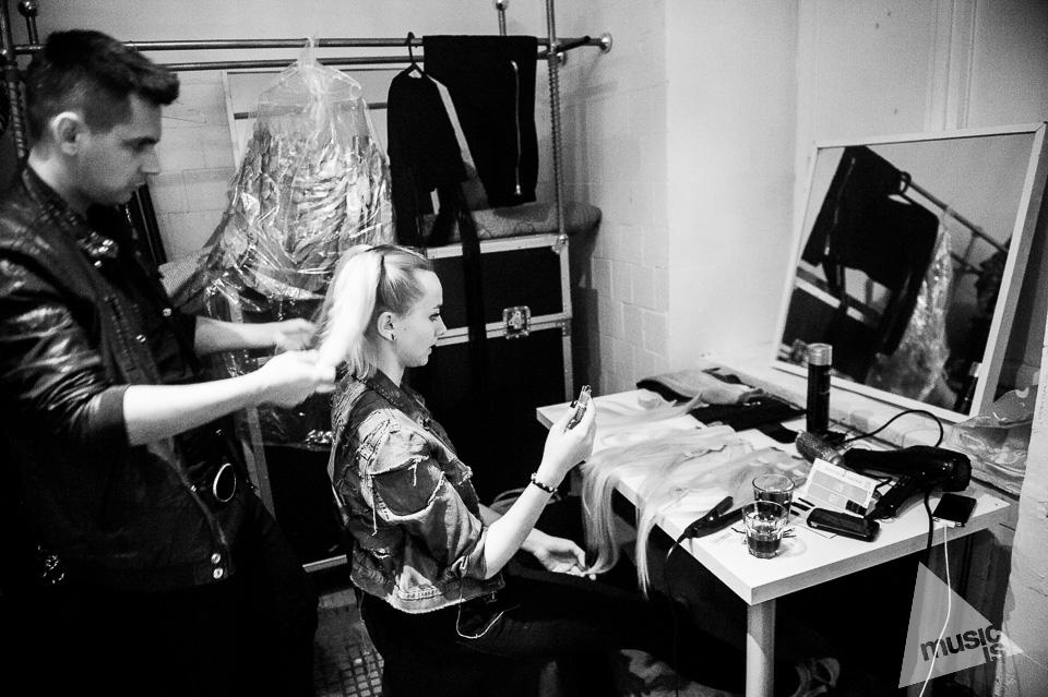 20141009-Radek-Zawadzki-Natalia-Nykiel-backstage-48.jpg