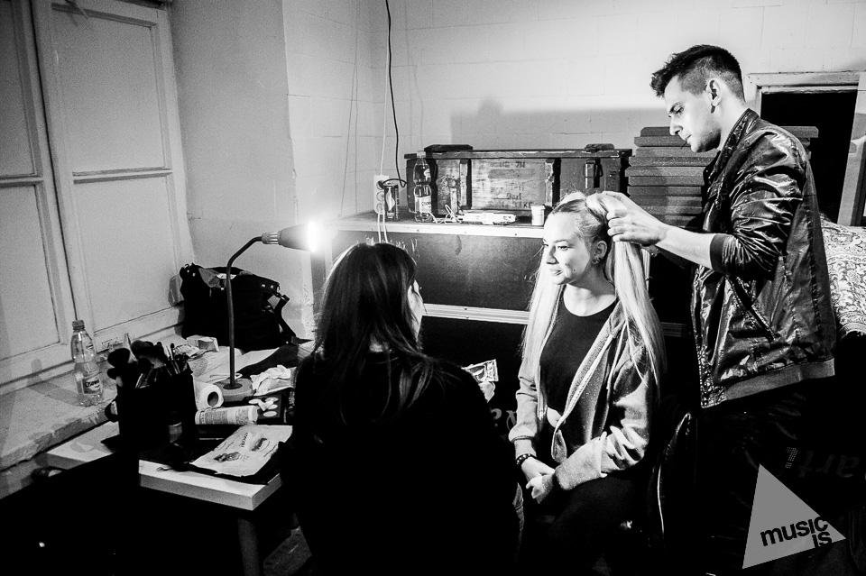 20141009-Radek-Zawadzki-Natalia-Nykiel-backstage-49.jpg
