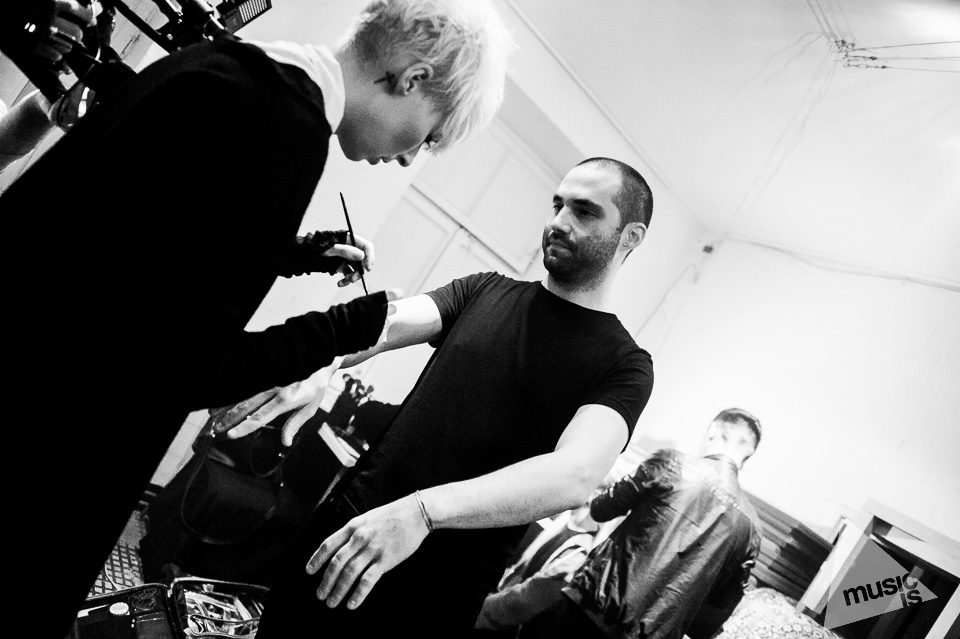 20141009-Radek-Zawadzki-Natalia-Nykiel-backstage-52.jpg