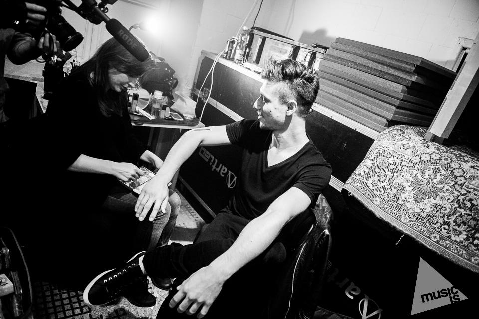 20141009-Radek-Zawadzki-Natalia-Nykiel-backstage-53.jpg