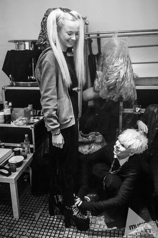 20141009-Radek-Zawadzki-Natalia-Nykiel-backstage-55.jpg