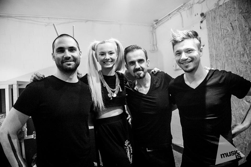 20141009-Radek-Zawadzki-Natalia-Nykiel-backstage-58.jpg