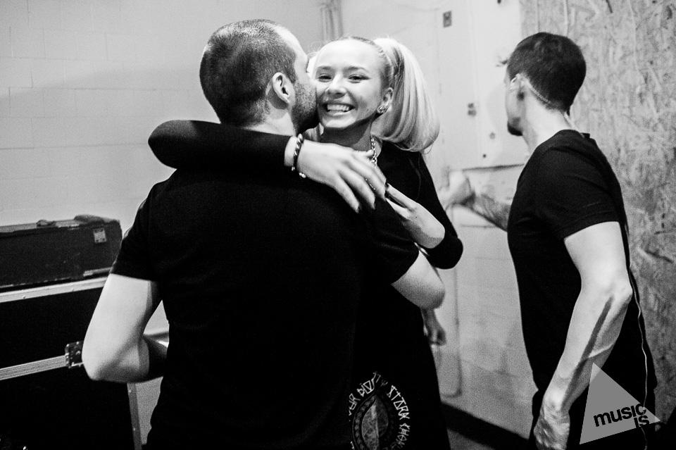 20141009-Radek-Zawadzki-Natalia-Nykiel-backstage-59.jpg