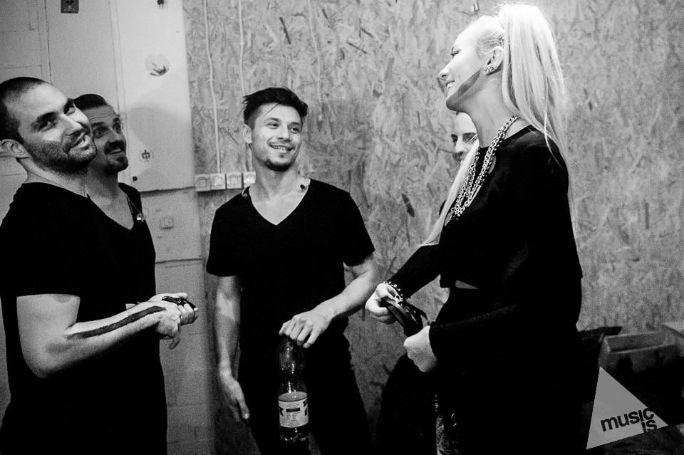 20141009-Radek-Zawadzki-Natalia-Nykiel-backstage-61.jpg