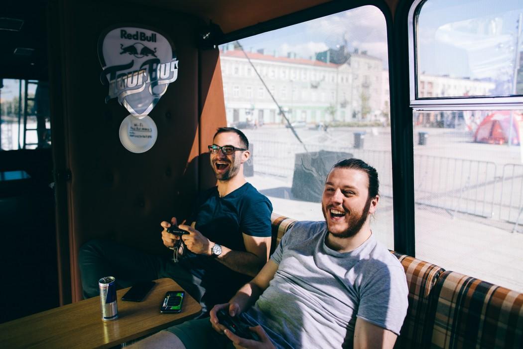 Red_Bull_Tour_Bus_Natalia_Nykiel_Czestochowa_fot._Pawel_Zanio-1-e1496999396934.jpg