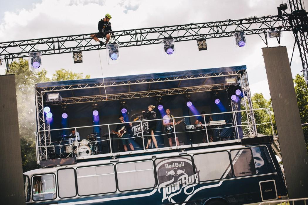 Red_Bull_Tour_Bus_Olsztyn_fot._Pawel_Zanio-4-e1498481421337.jpg