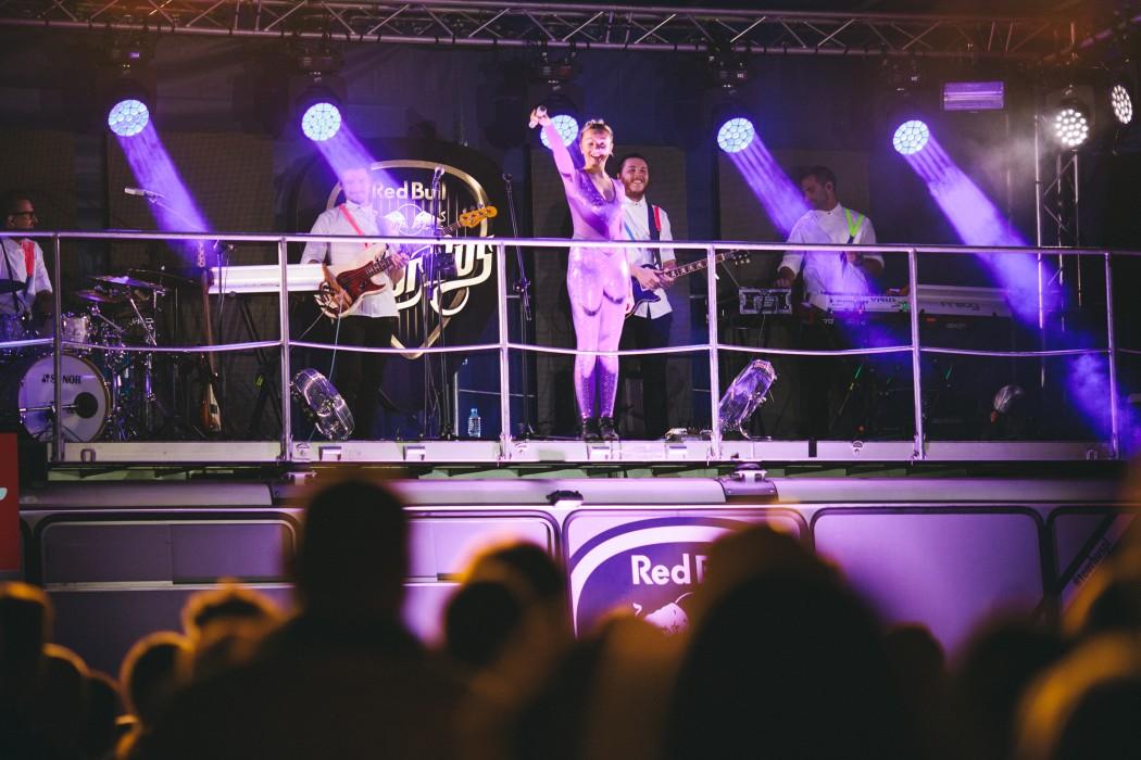 Red_Bull_Tour_Bus_Rzeszow_fot._Pawel_Zanio-80-e1497433926950.jpg